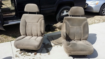 Car Seat Cleaning (Left seat clean / Right seat dirty)